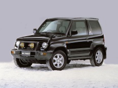 Mitsubishi Pajero Jr 1995 model