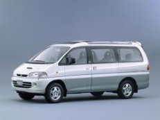 Mitsubishi Space Gear 1995 model