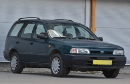 Nissan Sunny Traveller 1990 model